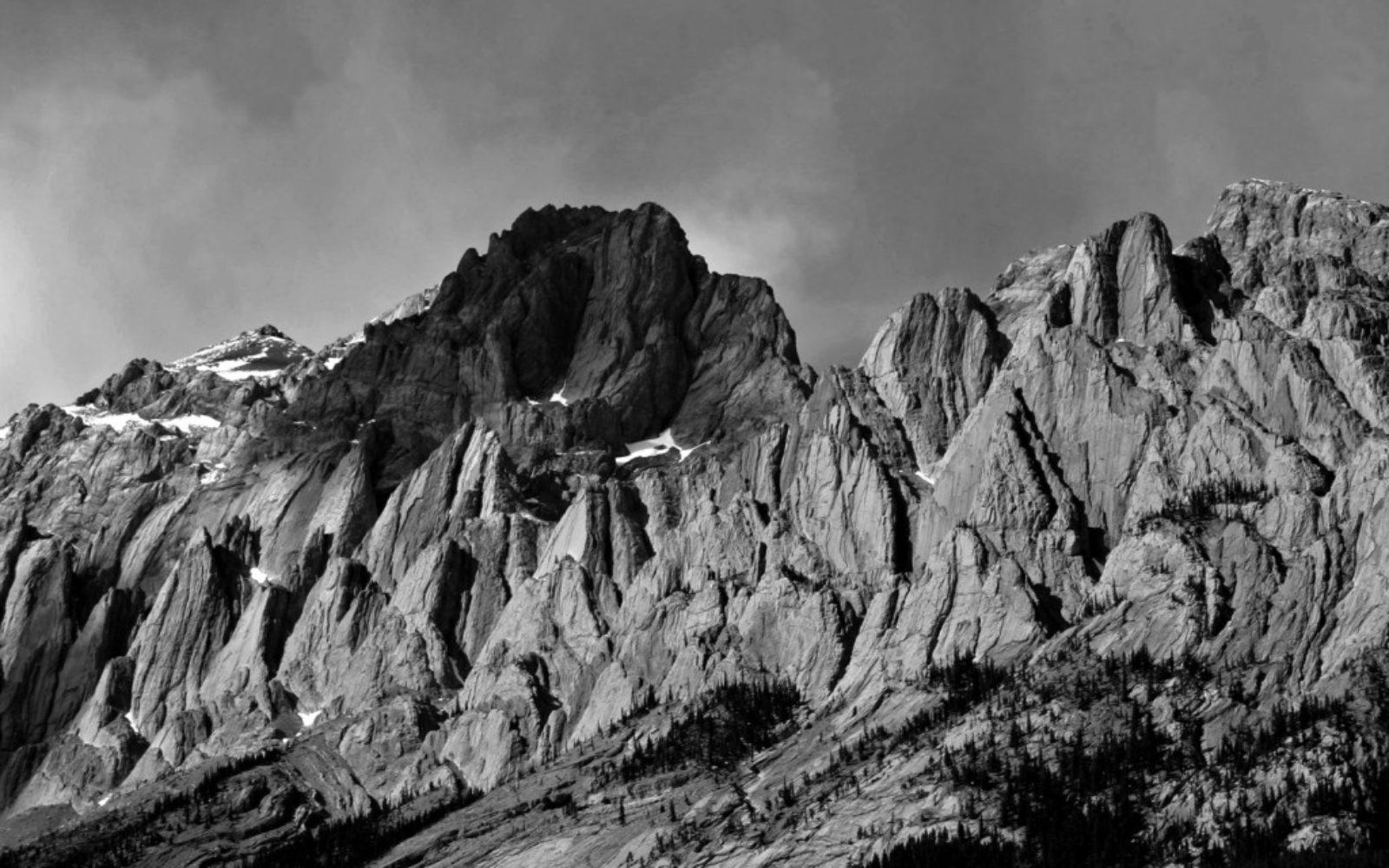nature-black-white-mountian-1024x640