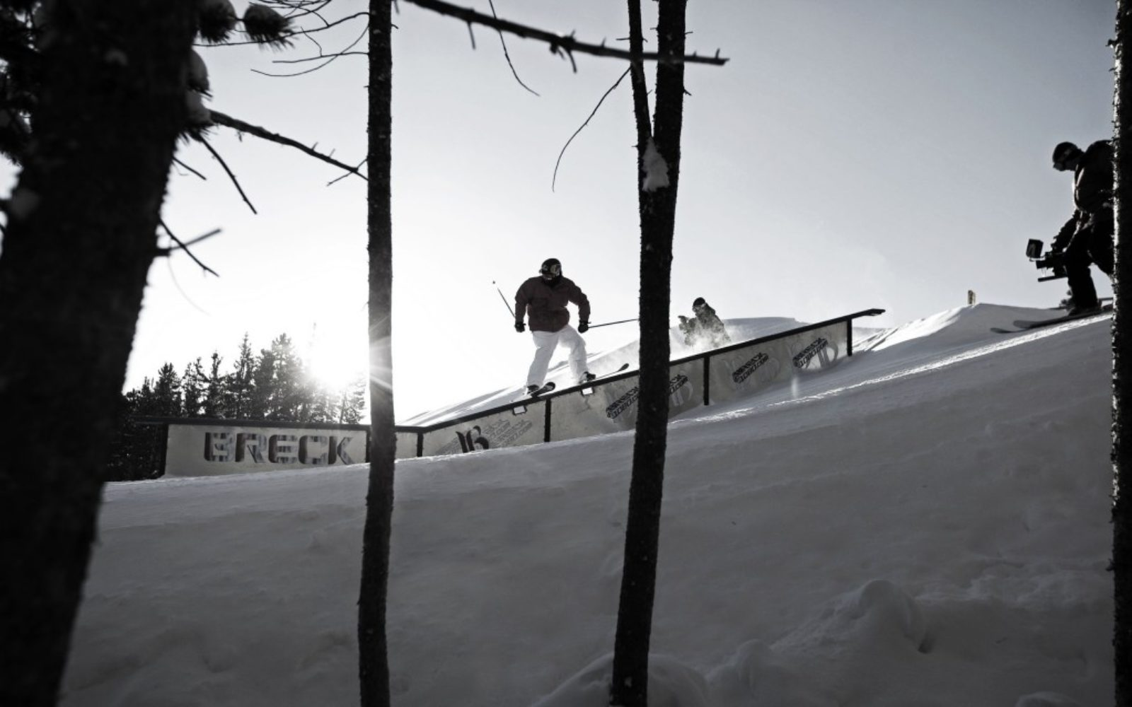 sports-xgames-skier-blackwhite2-1024x640